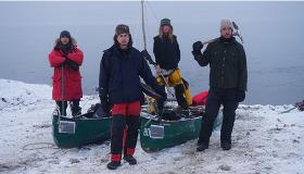 Alaska'da 965 kilometre yürüyerek hayatta kalacak mı?