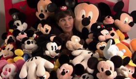 30 yıldır Mickey Mouse topluyor: 'Minnie Mouse beni kıskanıyor'