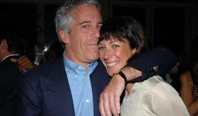 Jeffrey Epstein'i Kim Öldürdü?
