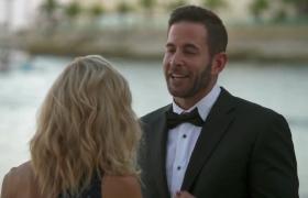 1. Sezon 11. Bölüm   Evlilik Teklifi