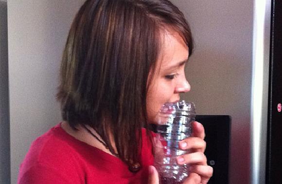 12 kumanda 5 bini aşkın plastik boncuk 10 su şisesi yedi