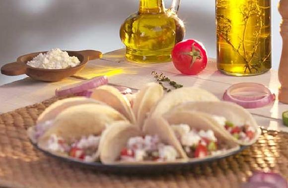 Cacık soslu kuzu etli taco