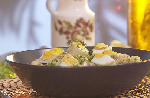 Yumurtalı karnabahar salatası
